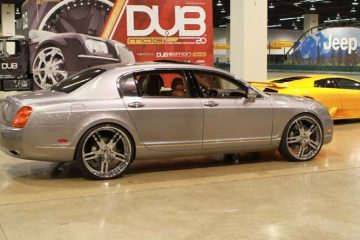 bentley-flyingspur-grey-original-pianura