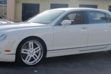 bentley-flyingspur-white-original-estremo