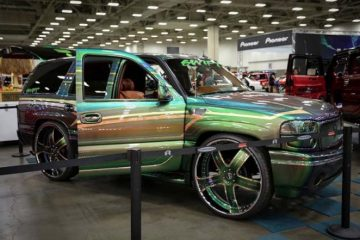 cadillac-escalade-green-original-barra-1