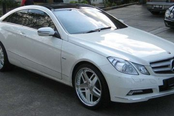 mercedes-benz-e350-white-original-veccio-1